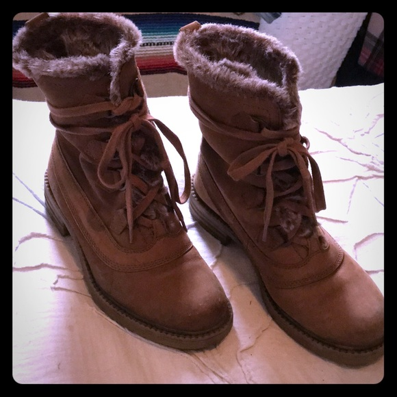 Steve Madden Shoes - Steve Madden great fall boots 💐🌿🍁